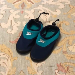 NWOT Speedo boys surf walker water shoe, size 1